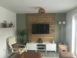 pallet wood panel dor accentuating your tv