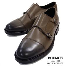 the form which goes perfect from a suit to casual clothes double monk strap shoes of the italian maid