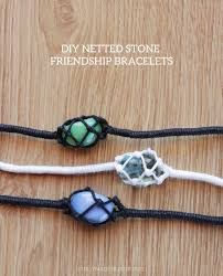 as you probably realized due to my past bracelet projects i love making all kinds of friendship bracelets too bad i don t feel very comfortable wearing