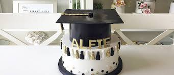 18 Unforgettable And Awesome Looking Graduation Cakes