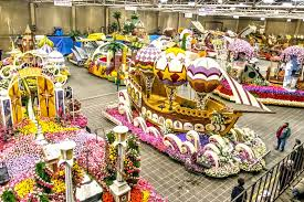 Rose Bowl Float Decorating How to Watch Float Decorating for the Rose Parade 1