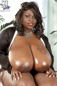 Big black women with boobs