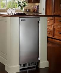 under cabinet ice maker. Perlick Offers A Wide Selection Of Undercounter Ice Makers To Complement And Indoor Or Outdoor Space. Since Your Beverage Is Only As Good The That Under Cabinet Maker