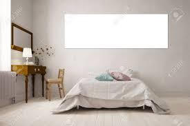 Leere Weiße Panorama Leinwand An Der Wand über Einem Bett In Einem