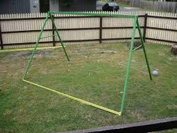 diy repurposed swing set en coop 1