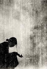 Resultado de imagen para mujer sentada junto a una ventana ,llorando