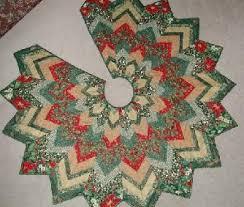 Best 25+ DIY quilted Christmas tree skirt ideas on Pinterest | DIY ... & Christmas Tree Skirts Patterns - Free Pattern Cross Stitch Adamdwight.com