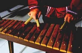 Tak hanya rumah adat, ragam alat musik di indonesia cukup banyak, lo. Alat Musik Kolintang Dan Fungsi Serta Berasal Dari Mantabz