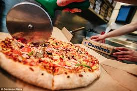 fancy a slice every week british outlets get through 124 tons of tomato sauce