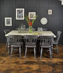 Farmhouse Kitchen Tables Uk This Rustic Farmhouse Dining Set Painted In Valspar Carriage Wheel