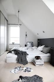Oltre 25 fantastiche idee su Arredamento camera da letto nero su ...
