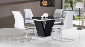 black glass high gloss dining table and 4 chairs in black white