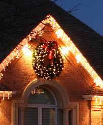 outdoor wreaths with lights 19