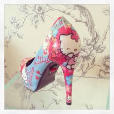 """Ashlee Norris on Twitter: """"Fabulous Hello Kitty shoes  http://t.co/6dl2MZ8IbY #CraftHour #WomannBizHour http://t.co/c61NHCLvQ1"""""""