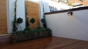 courtyard small garden design ideas london
