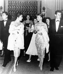 young debbie reynolds and elizabeth taylor. Contemporary Young Mike Todd With Wife Elizabeth Taylor And Debbie Reynolds Husband  Toddu0027s Best Friend Intended Young And Z