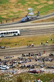 file hurricane katrina highway evacuees jpg file hurricane katrina highway evacuees jpg