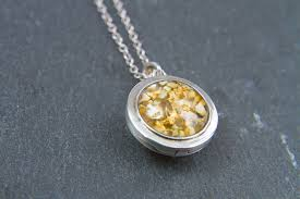 silver ashes in glass pendant encanto