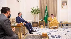 أمير سعودي عن تأجيل زيارة وزير الدفاع الأمريكي واستقبال مسؤول روسي: السعودية  لا تقبل إملاءات - CNN Arabic