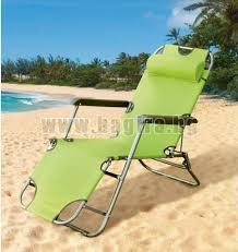 Дървени шезлонги, масички за шезлонг и плажни шатри, които могат да се използват на различни места. Podvodnica Posoka Ekskrementi Dzhmbo Stolove Pleasure Travel It