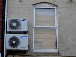 Fenster Und Klimaanlagen Kostenloses Stock Bild Public Domain Pictures