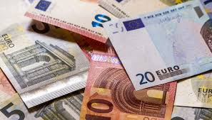 The euro has gone back and forth during the course of the trading session on thursday as we have seen quite a bit of noise over the last week or two. The Digital Euro Is Coming How It Works What Are The Risks And Where We Are Archyde