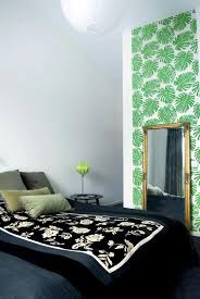 Wallpaper In Bedroom Model Design