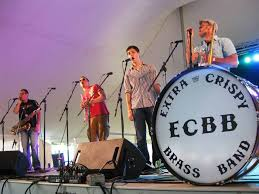 arte live outdoor summer concert series featuring sazerac 5 swinging horn band milwaukee365 com