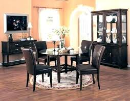 rugs under round dining table rug under kitchen table round kitchen table rugs rug under kitchen