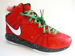 lebron 8 christmas. obviously, the kinds of shoes that make a hit these days are those with christmas influence. aside from kobe bryant\u201d™s grinch-inspired version, mvp, lebron 8