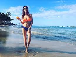 шоу биз и культура надя дорофеева из время и стекло на пляже