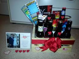 im genes de diy valentines gift basket for boyfriend