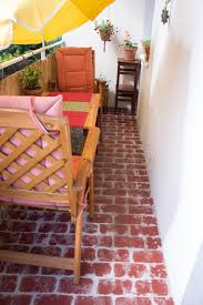 Fußboden fliesen gibt es in unserer auswahl in vielen unterschiedlichen formen, größen, farben und mustern. Fussboden Mit Ziegelstein Optik Green Bird Diy Mode Deko Und Interieur