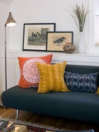 Декоративные <b>подушки</b> на диван: 25 фото плохих и хороших ...