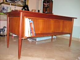 vintage mid century danish modern teak desk from selig furniture vintage mid danish furniture a39 century