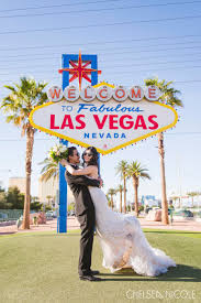 from neon lights to gorgeous natural scenery las vegas is the place for incredible wedding portraits take a look at some of our favorite las vegas photo