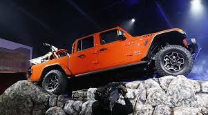 Will Jeep Gladiator Conquer Rivals in Pickup Truck Arena ...