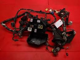 2004 toyota yaris mk1 coil pack ecu fuse box wiring loom 82121 2004 toyota yaris mk1 under bonnet fuse box wiring loom