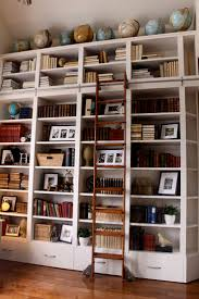 Living Room Bookshelf Decorating 1000 Ideas About Bookcase With Ladder On Pinterest Library