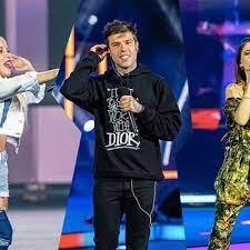 Battiti Live 2020, la seconda puntata: Fedez con la felpa 'shock' Baby K in  jeans