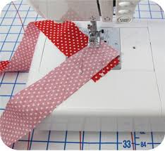 Binding strip technique that saves time...I'm definitely going to ... & How to Join Binding Strips Perfectly This week I& making some skinny binding  to use in a special project with the paper pieced sewing machine. Adamdwight.com