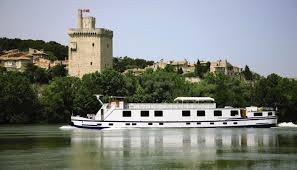 Crewed canal barges \u0026 fine dining | Official website for tourism ...