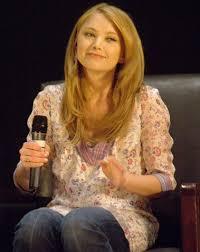 Elisabeth Harnois - Wikipedia