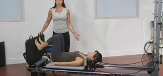 how to perform a cardio infused pilates reformer routine pilates wonderhowto