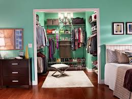 how to organize bedroom walk in closet