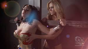 Superheroine bondage in mainstream movies