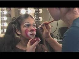 applying theatrical makeup how to apply clown makeup