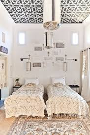 ... Stylish modern moroccan bedroom with moroccan decor in neutral colors  ...