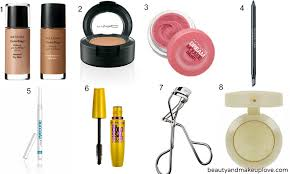 makeup kit must haves what you need in your makeup bag