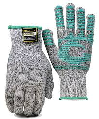 The 10 Best Cut Resistant Gloves For Safer Slicing And